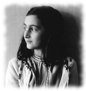 Schwarz-weiß Bild von Anne Frank
