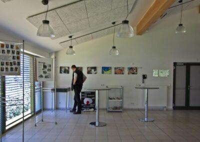 Seminarhaus Foyer Ausstellungsstücke